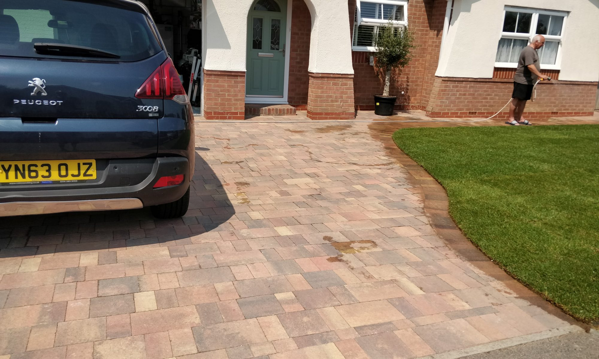 Littlehampton block drive and turfing